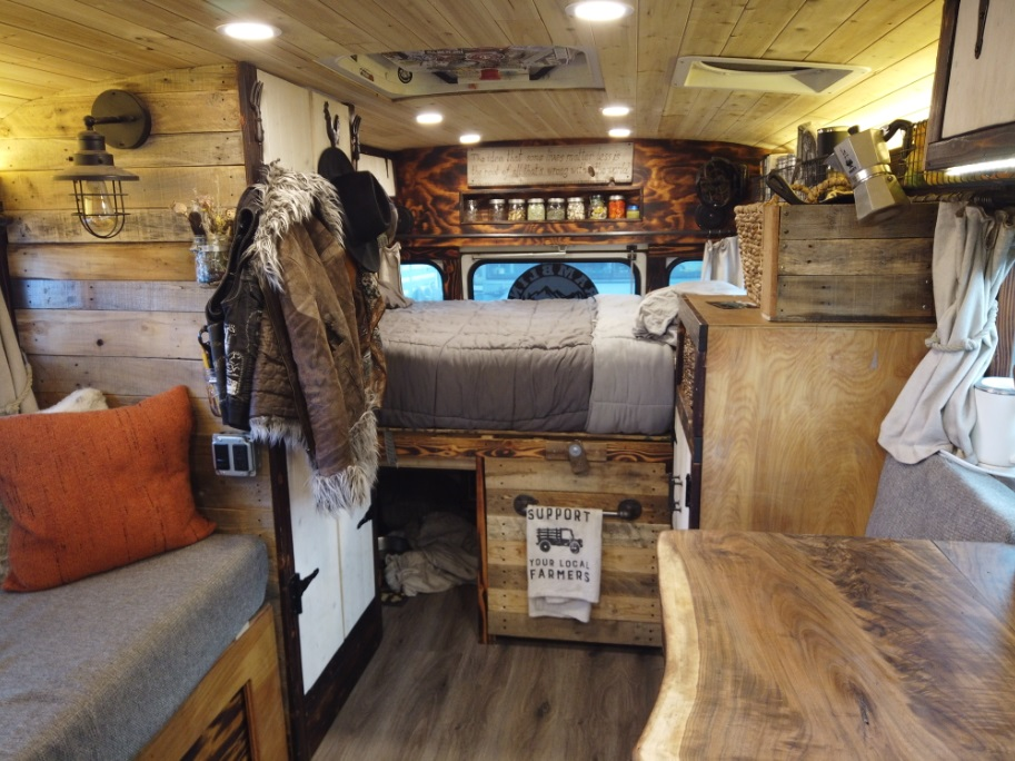Magpie skoolie Bus conversion interior